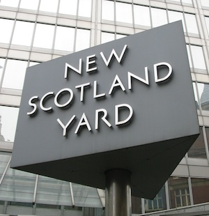 The report says Scotland Yard is spending too much money on out of date IT systems.
