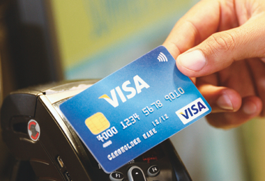 Contactless cardholders will get journeys capped before Oyster card holders.