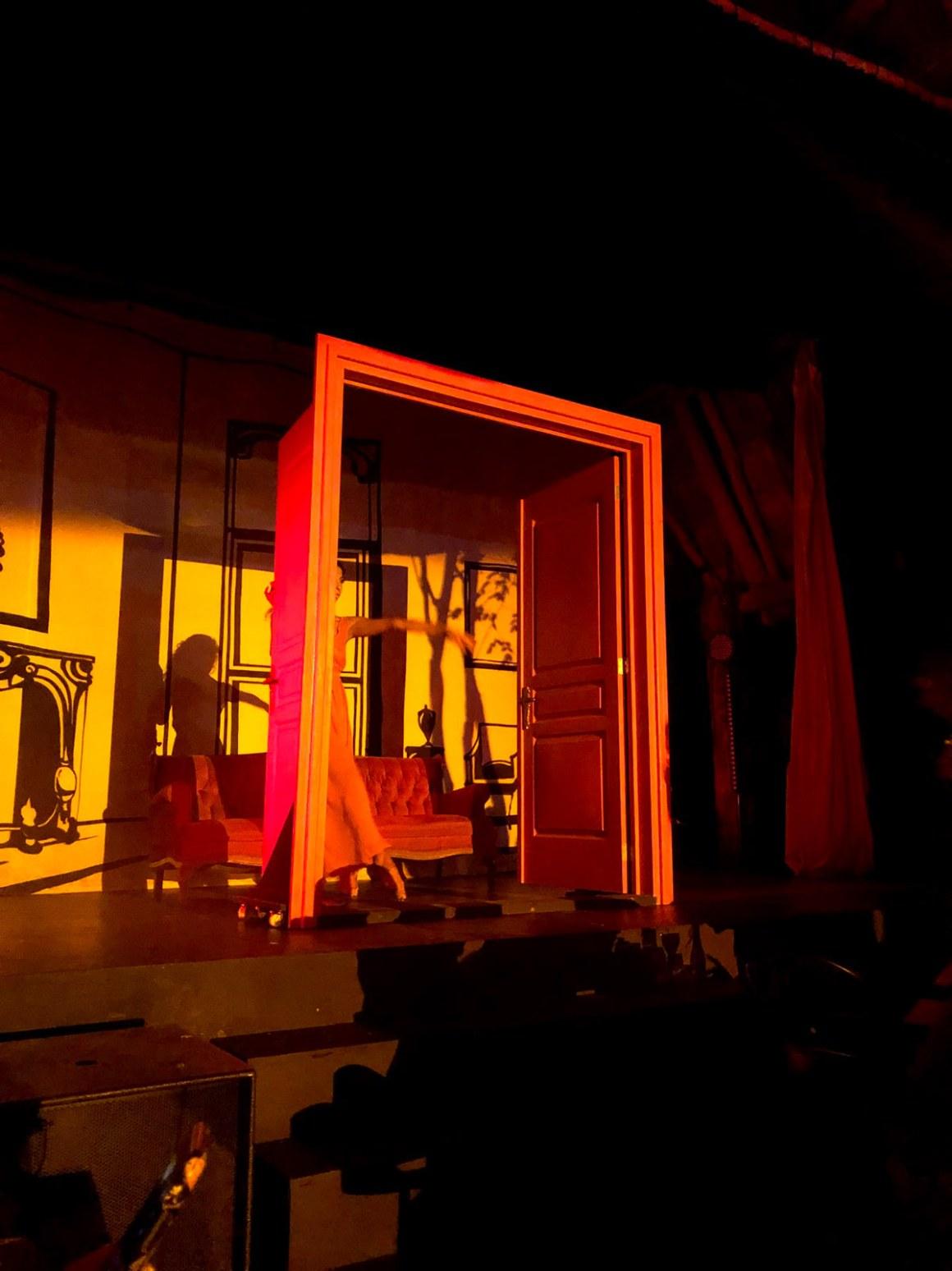 Les Bains tulum cabaret show