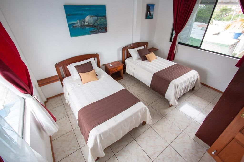 habitación doble en hostal maytenus galapagos