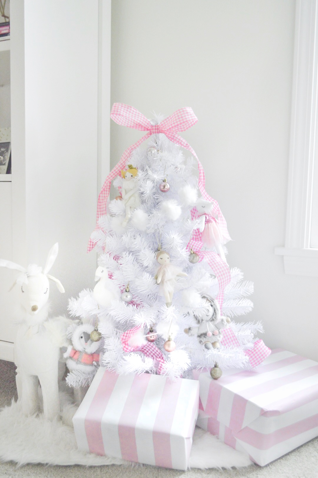 pink and white chritsmas tree