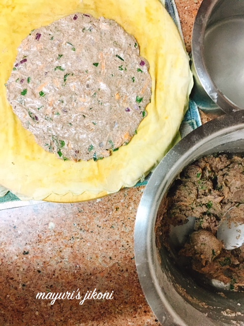 Onion and Carrot Ragi Bhakri 1