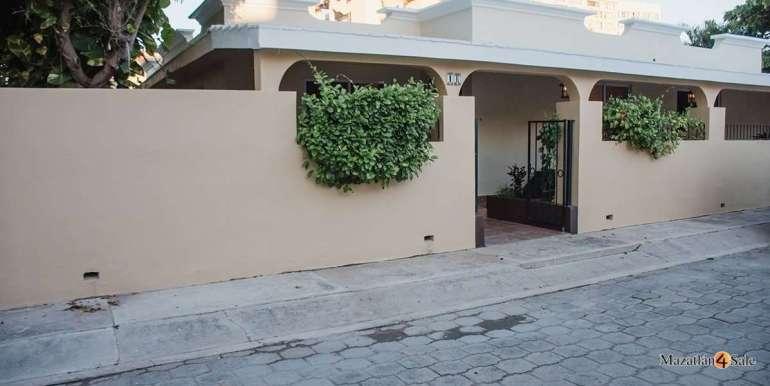 Mazatlan-Beach-Front-Home-For-Sale-4