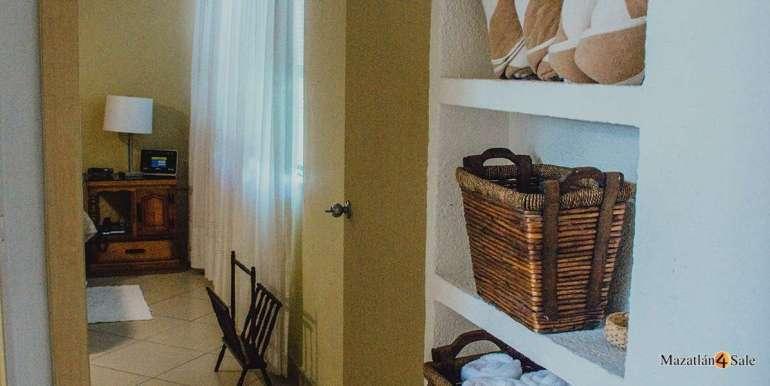 Mazatlan 3 bedrooms in Golden Zone Home For Sale (30)
