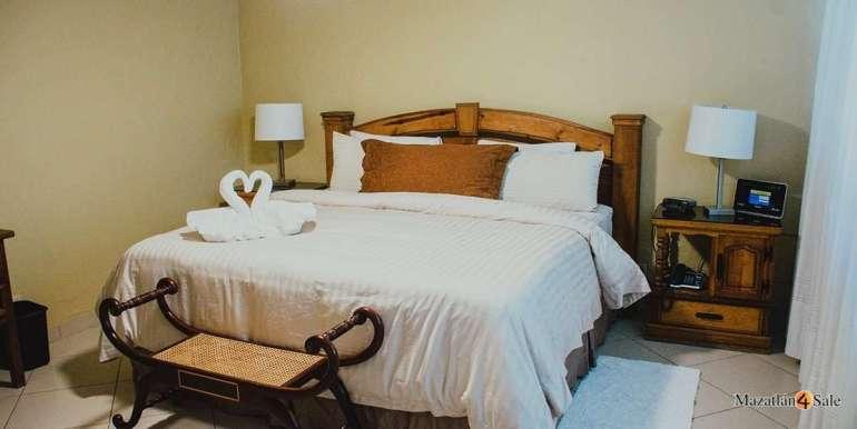 Mazatlan 3 bedrooms in Golden Zone Home For Sale (31)
