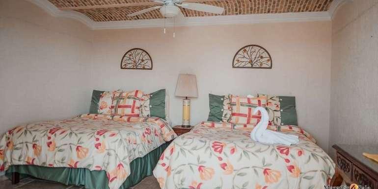 Mazatlan 1 bedroom in La Marina Tenis and Yacht Club Condo For Sale 2