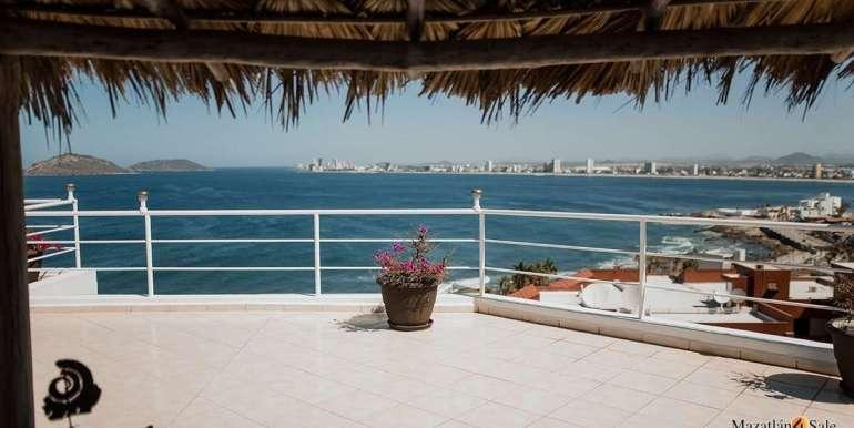 Mazatlan 4 bedrooms in Oceanfront Home For Sale (22)