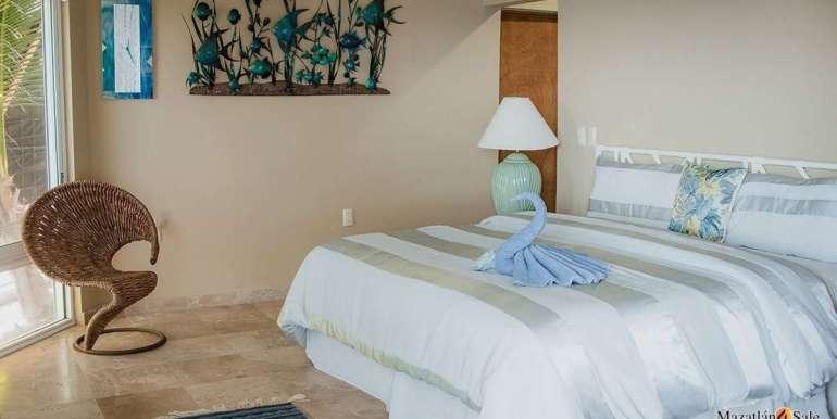 Mazatlan 4 bedrooms in Oceanfront Home For Sale (46)