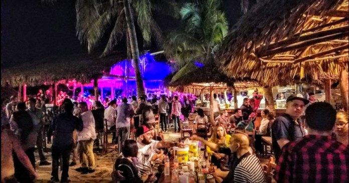 El Oyster, lugar de diversión con tradición en Mazatlán