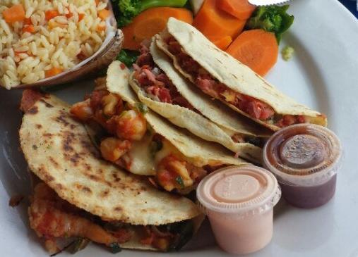 tacos de mariscos en Mazatlán - tacos gobernador