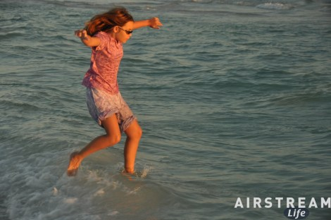 destin-fl-jumping-in-water-2010-11.jpg