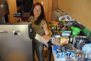 defrosting-the-refrigerator.jpg