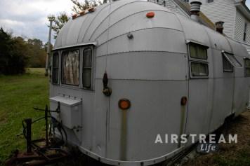 1953 Airstream Flying Cloud patina