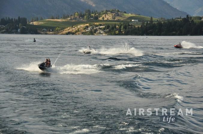 Lake Chelan jetskiiers