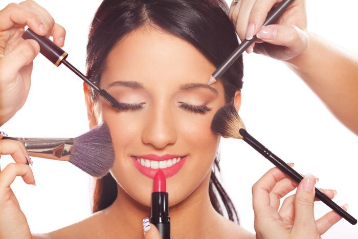 4 ingrediente din cosmetice, care ne pot face rău
