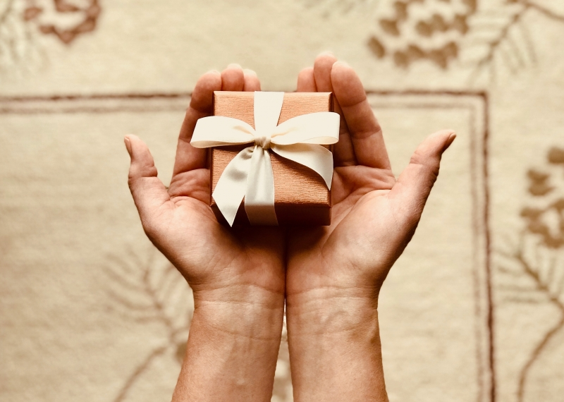 30 Ide Kado Ulang Tahun Untuk Ibu Ayah Guru Pasangan