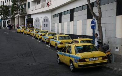 Viver com a COVID-19: Transportes públicos, táxis e o uso de máscaras na Madeira