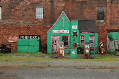 Conoco Hole in the Wall - Commerce, OK