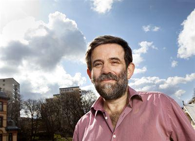Thomas Sterner, Professor i miljöekonomi, Handelshögskolan, Göteborgs universitet. Samordnande huvudförfattare till FNs klimatpanels tredje delrapport, kapitlet om nationella, regionala och lokala styrmedel.
