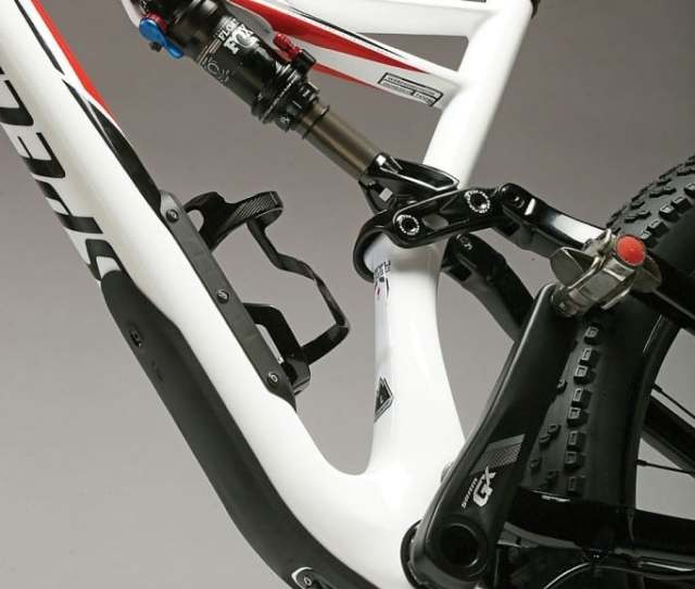 Classic And Proven The Stumpjumper 6fattie Uses Specializeds Fsr Linkage Thats Been A Wrecking Crew Favorite For Years