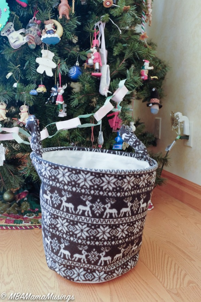 #LoveHallmarkCA Knit Christmas Basket