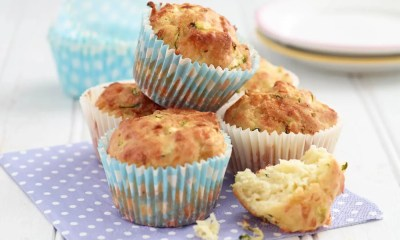 Cheese and courgette muffins