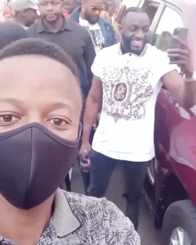 Ginimbi and his fans