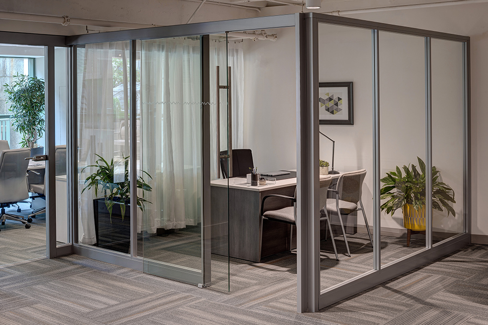 Mobile Walls creating private office