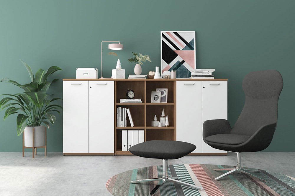 Office lounge chair with foot stool