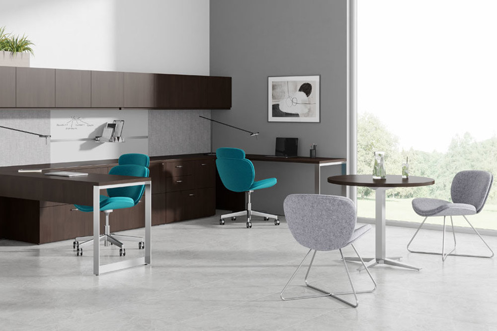 Office desk with task and guest chairs