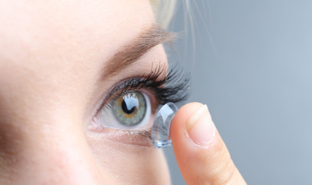 Is it Better to Buy Contacts Online?