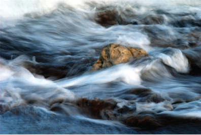 h-photography-water-rock-small