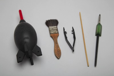 Studio Tools for Moving Objects: air bulb, brush, plastic tweezers, round BBQ skewer, clay pusher