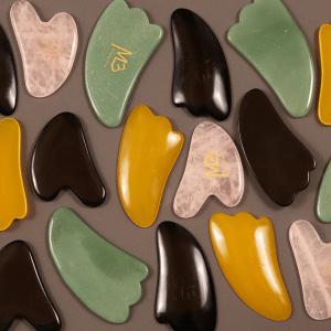 gua sha kampoja on eri värisiä
