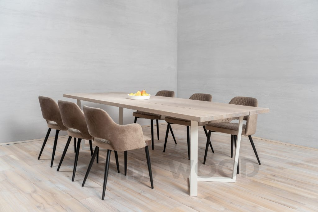 Oak table for 3 lamels with white metal legs
