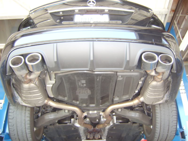 are factory c300 exhaust tips removable