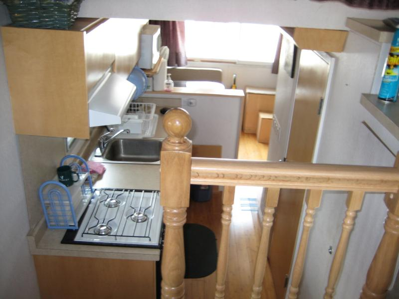 Completely Interior Remodel 1971 Silver Queen Houseboat 35