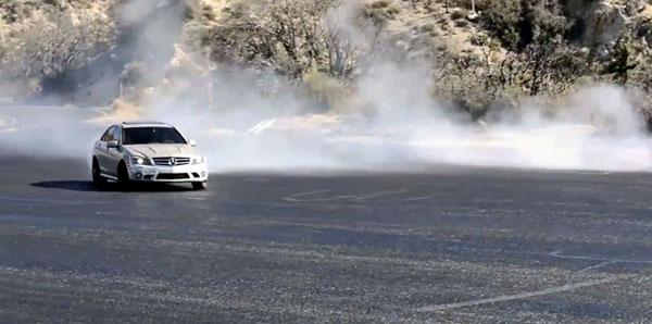 Mercedes-Benz C63 AMG Burnout-Drift Home