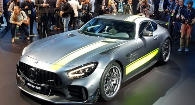 Mercedes-Benz AMG GT R Pro High Front