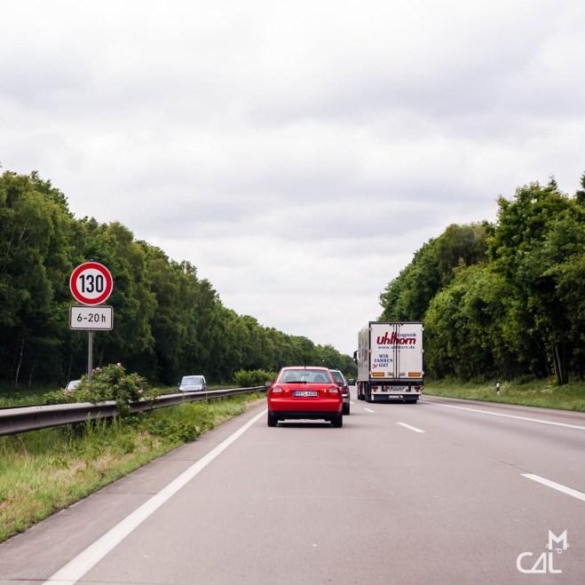 autobahn point de vue sur les fantasmes autour de l autoroute allemande mon chat aime la photo. Black Bedroom Furniture Sets. Home Design Ideas
