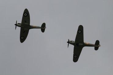 Supermarine Spitfire Mk. IIA & Hawker Hurricane Mk. IIC