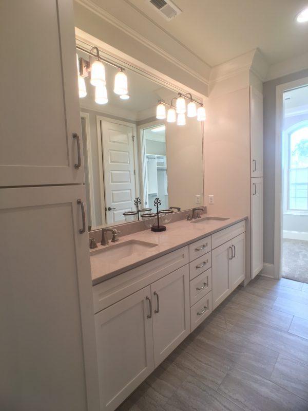 Rarity Bay Parade Home Bathroom