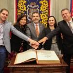 José López anima a leer la Constitución y a que ésta sea la guía de comportamiento para todos los servidores públicos