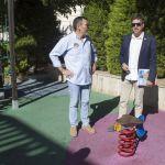 Los parques infantiles del municipio siguen sin mantenimiento desde el pacto de 'La Trinca'
