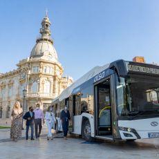 La alcaldesa del PP olvida en un mes su promesa de autobuses eléctricos