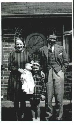 Stan and Pansy, with daughter June