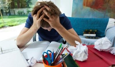 disorganized student feeling overwhelmed