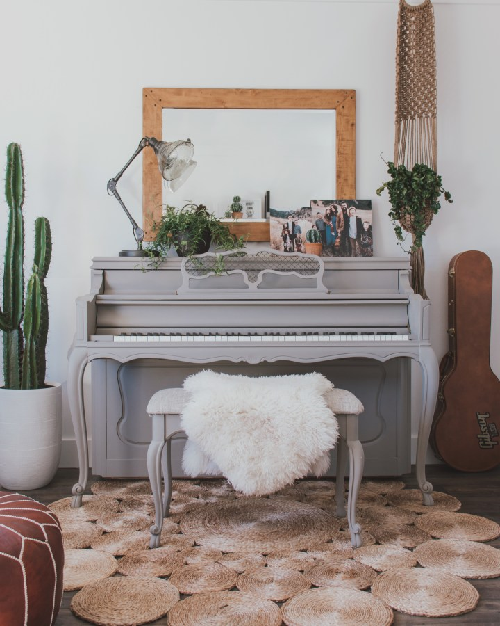 piano (1 of 1)