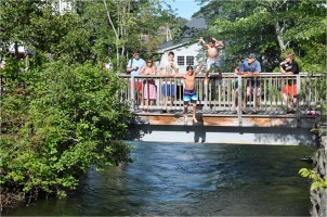 McCrae goes to NH with the Pauls - jump off bridge