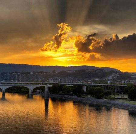 Sunset_Chatt773nk.jpeg